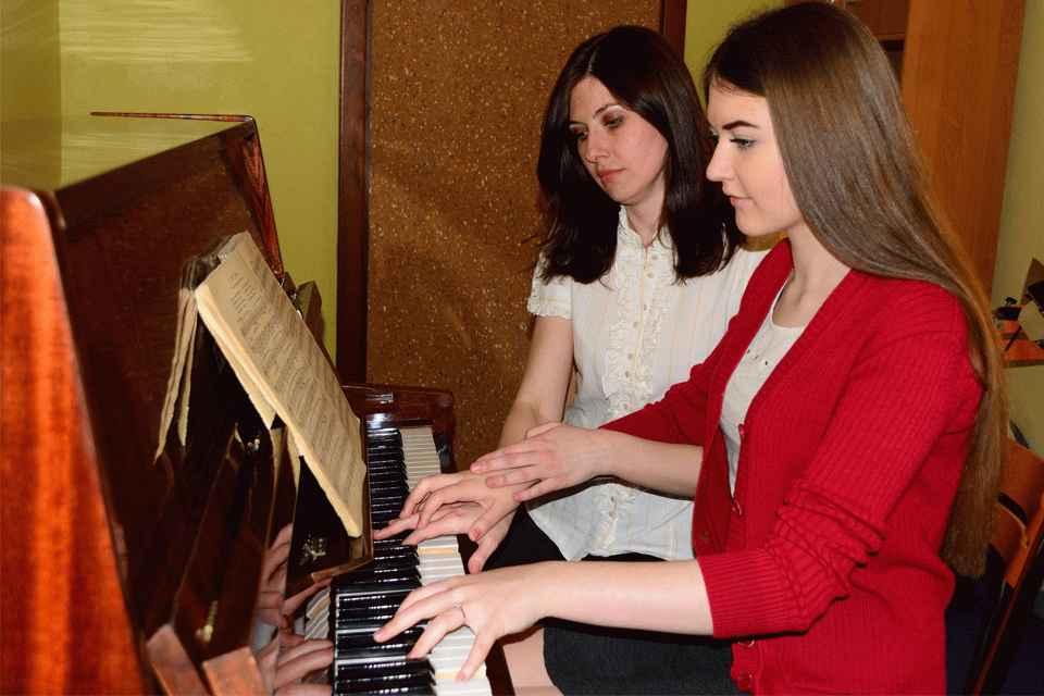 игра на фортепиано - лучшая музыкальная школа Киева